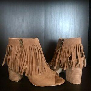 New!! Open toe, chunky heel /w fringe